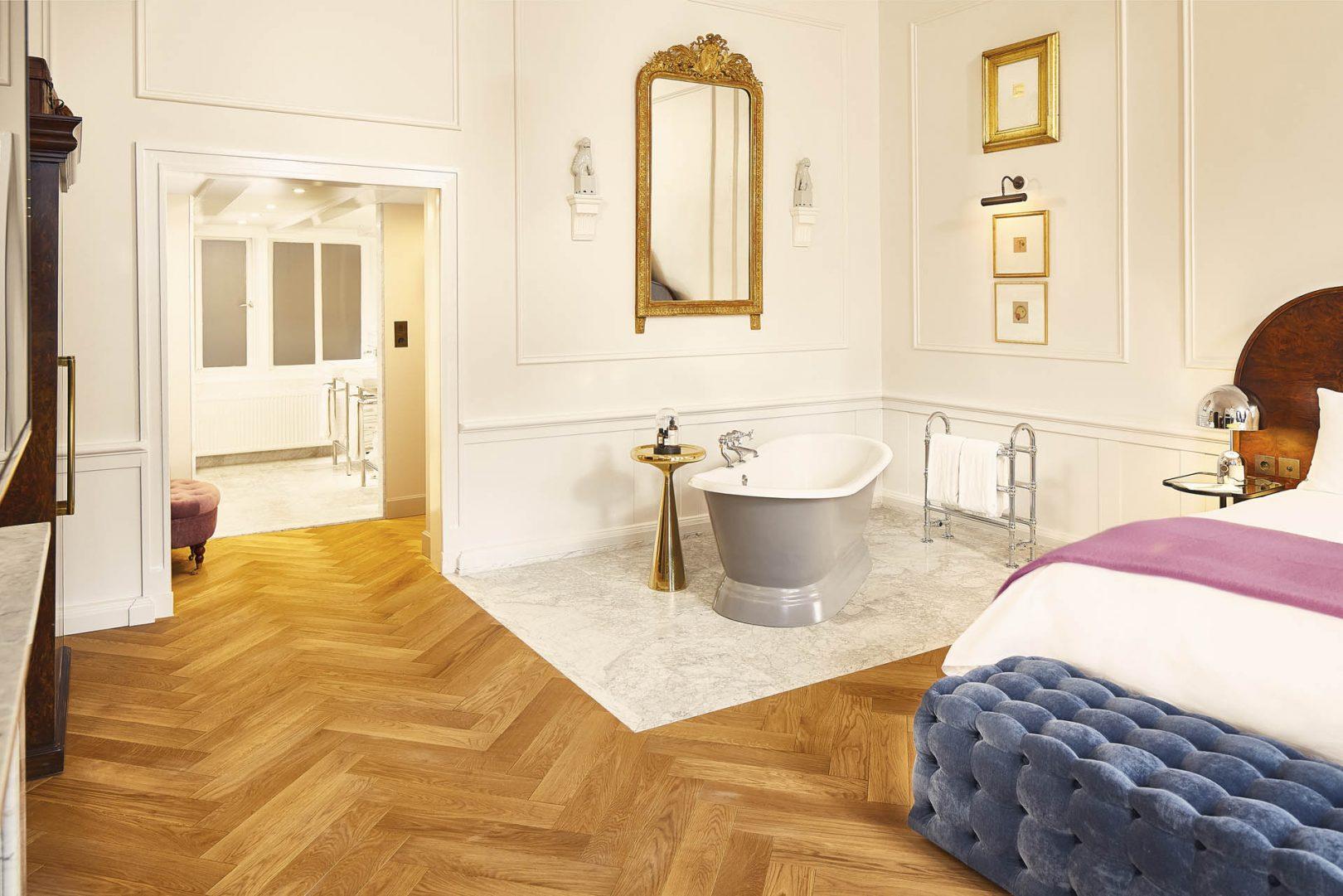 suites-pulitzers-suite-bathtub