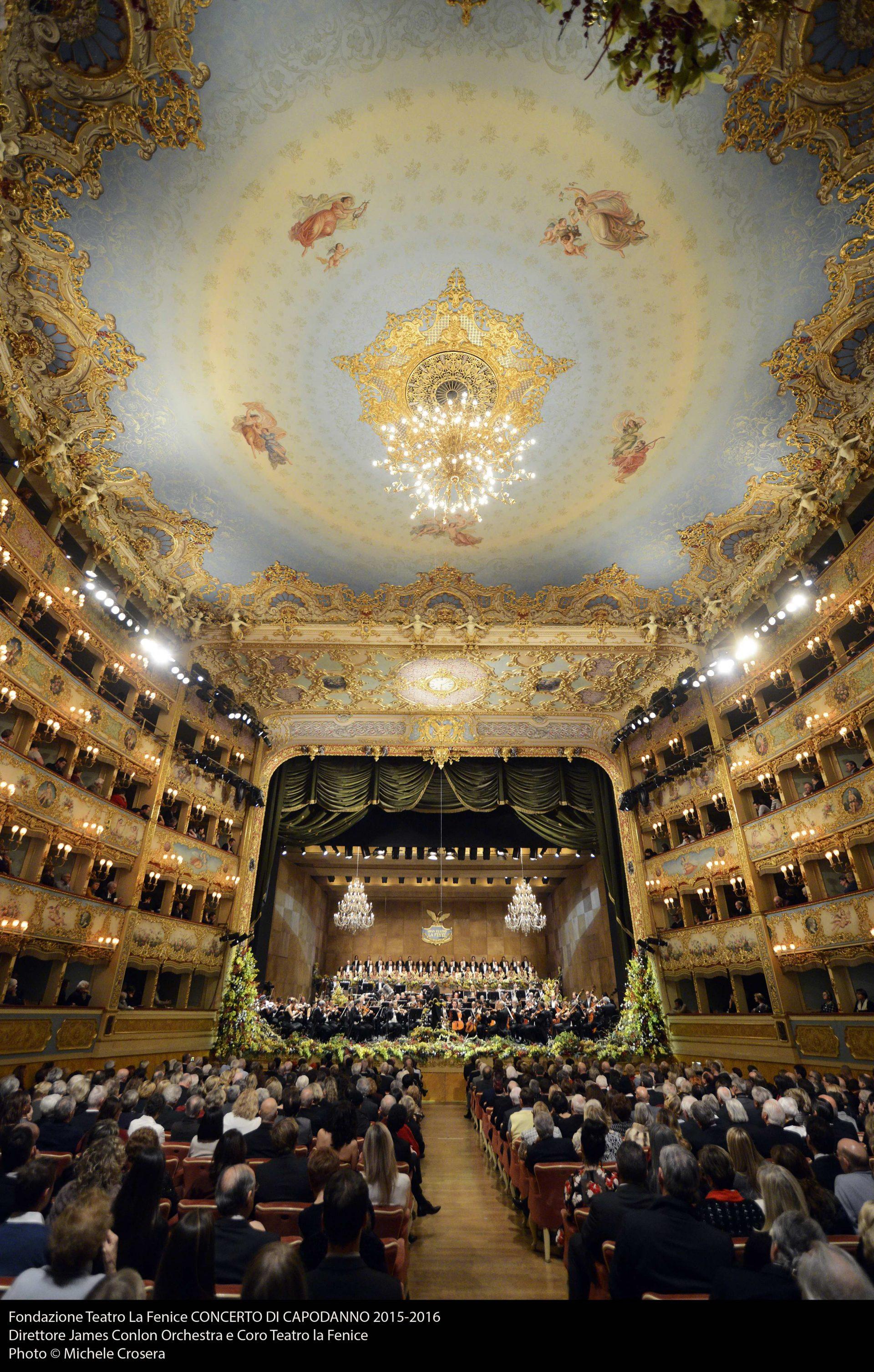 Fondazione Teatro La Fenice CONCERTO DI CAPODANNO 2015-2016 Direttore James Conlon Orchestra e Coro Teatro la Fenice Photo © Michele Crosera